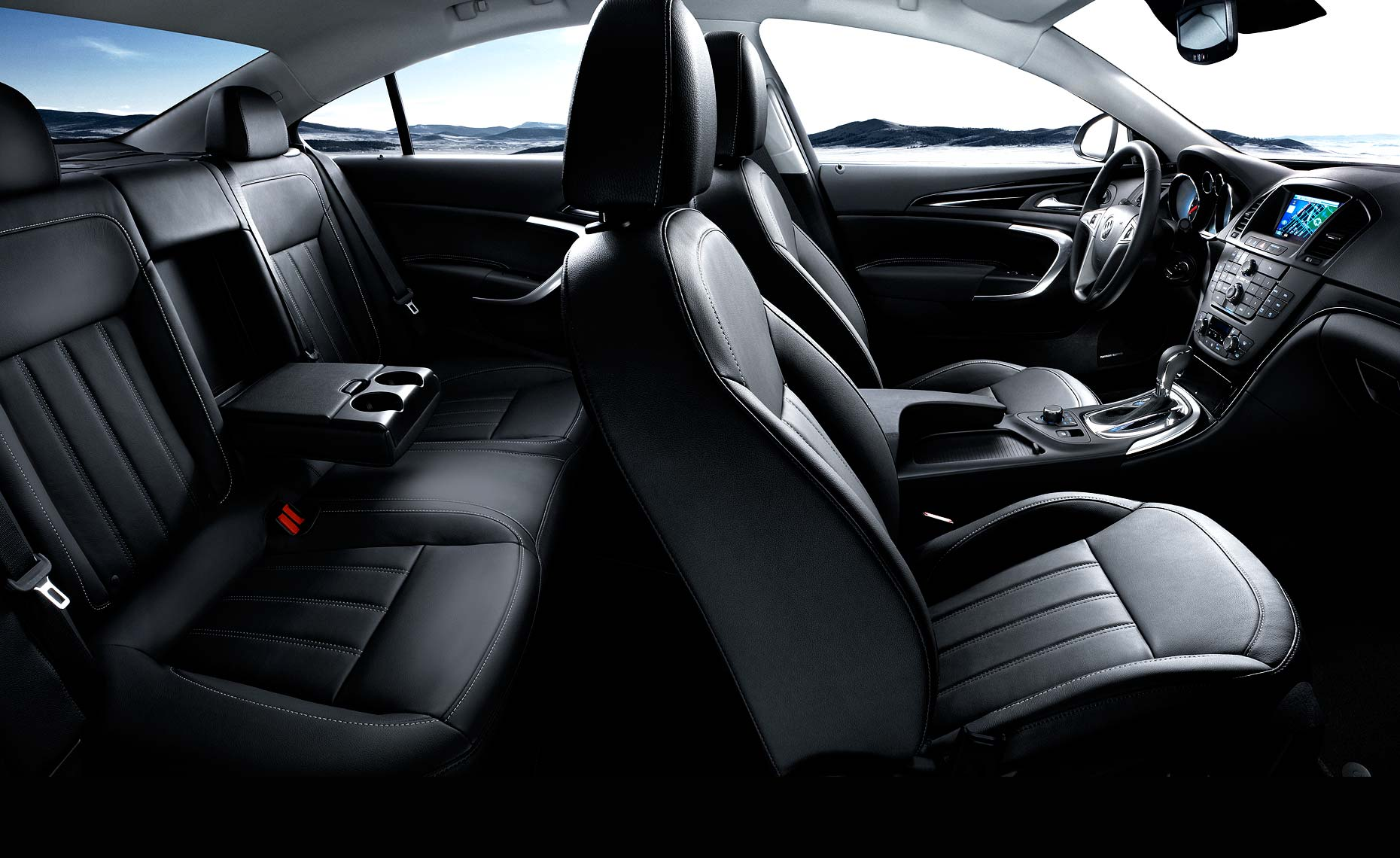 2011 buick regal-full interior.jpg