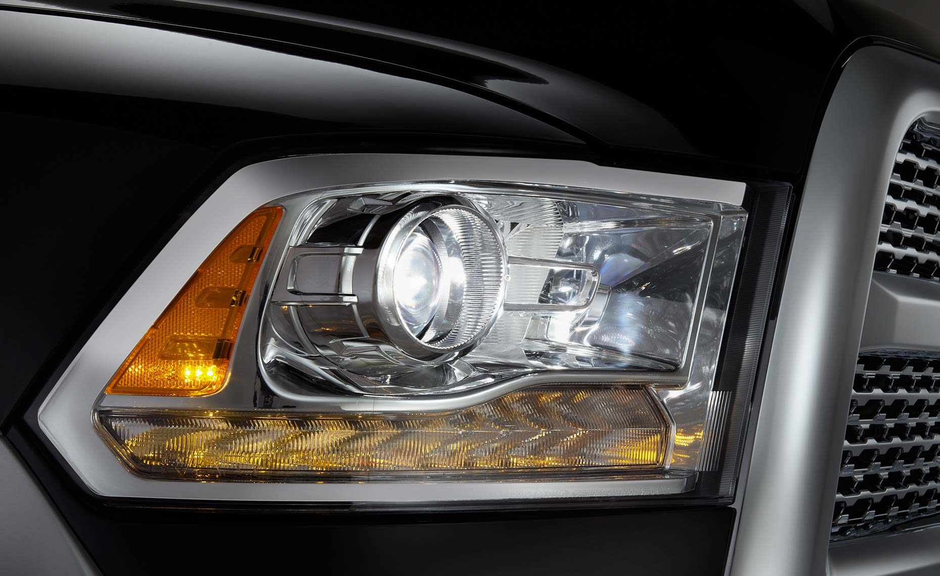 2013 RAM truck-2500HD-headlight-detail.jpg