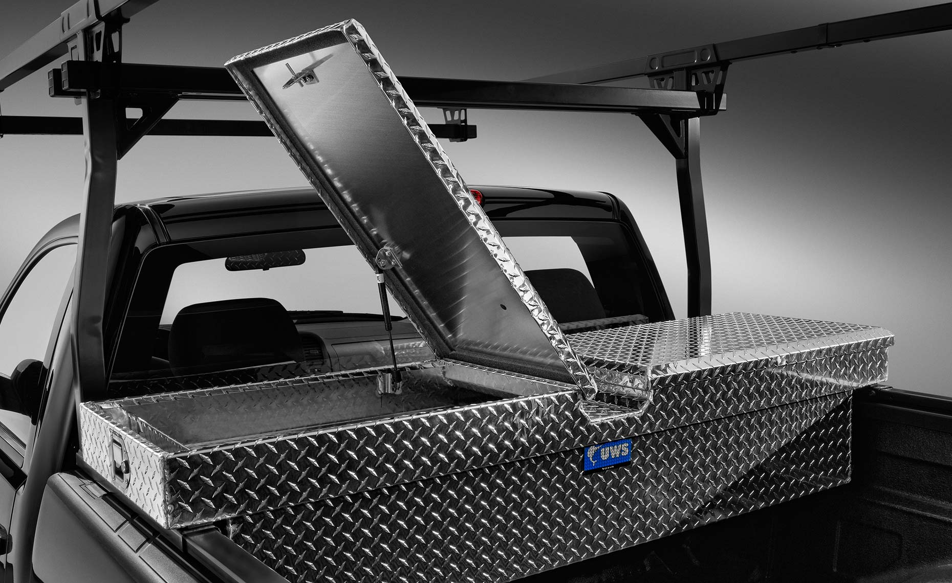2013 chevy silverado-gull-wing tool box.jpg