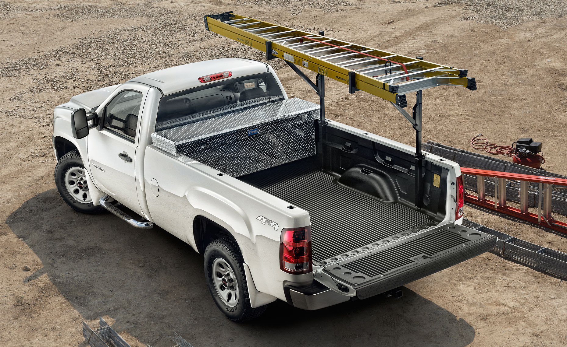 2013 gmc sierra-ladders-work site.jpg