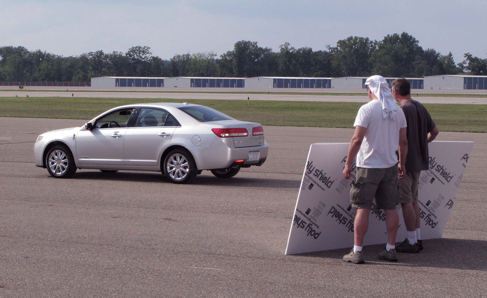 2013 lincoln mkz-behind the scenes-airport-2.jpg