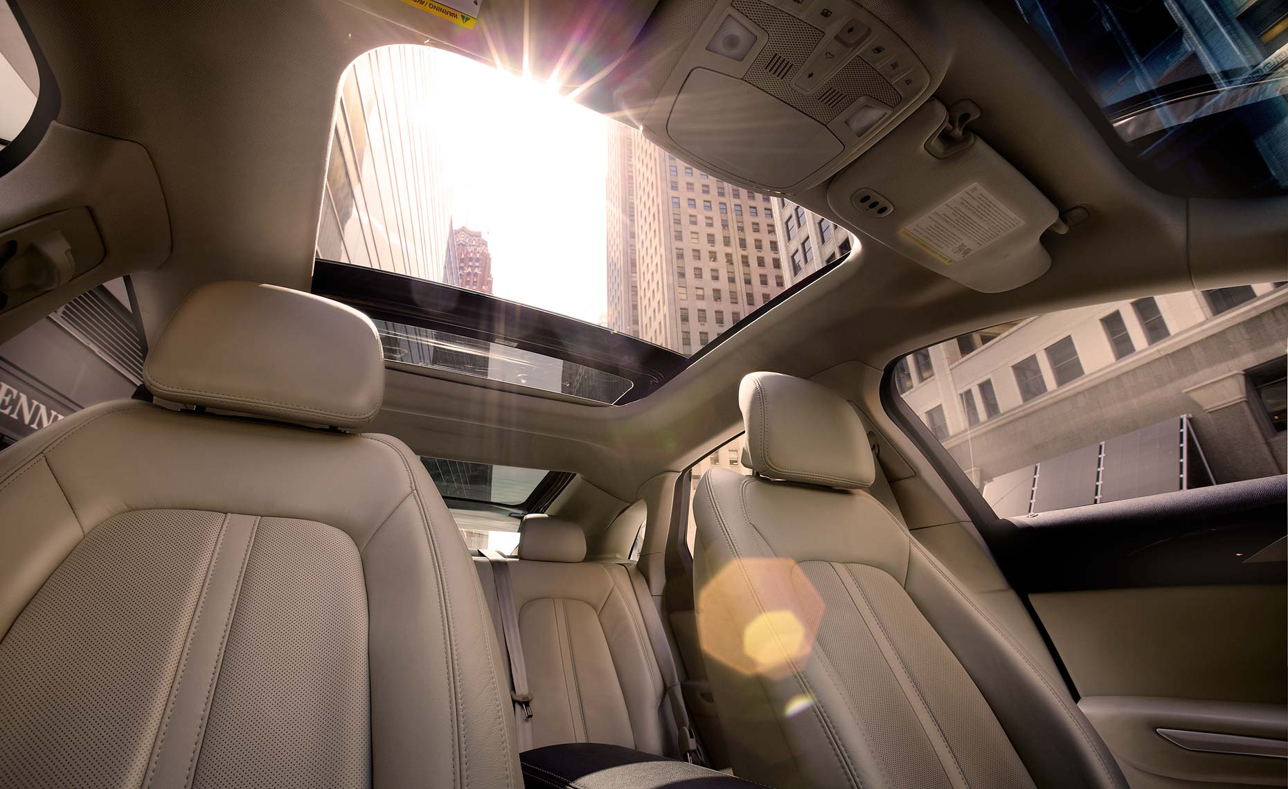 2013 lincoln mkz-roof window.jpg