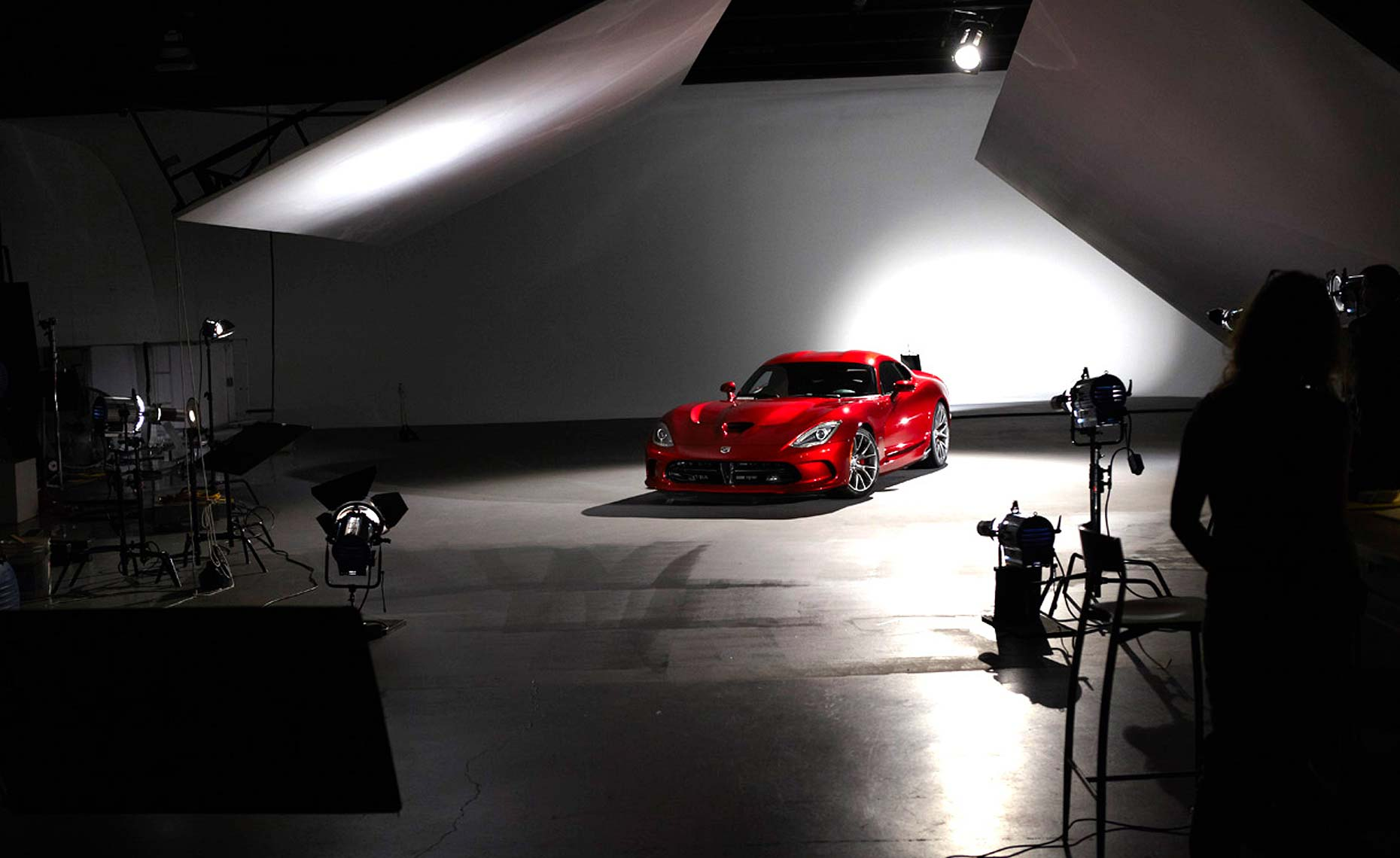 2013 viper-srt-behind the scenes-studio-11.jpg