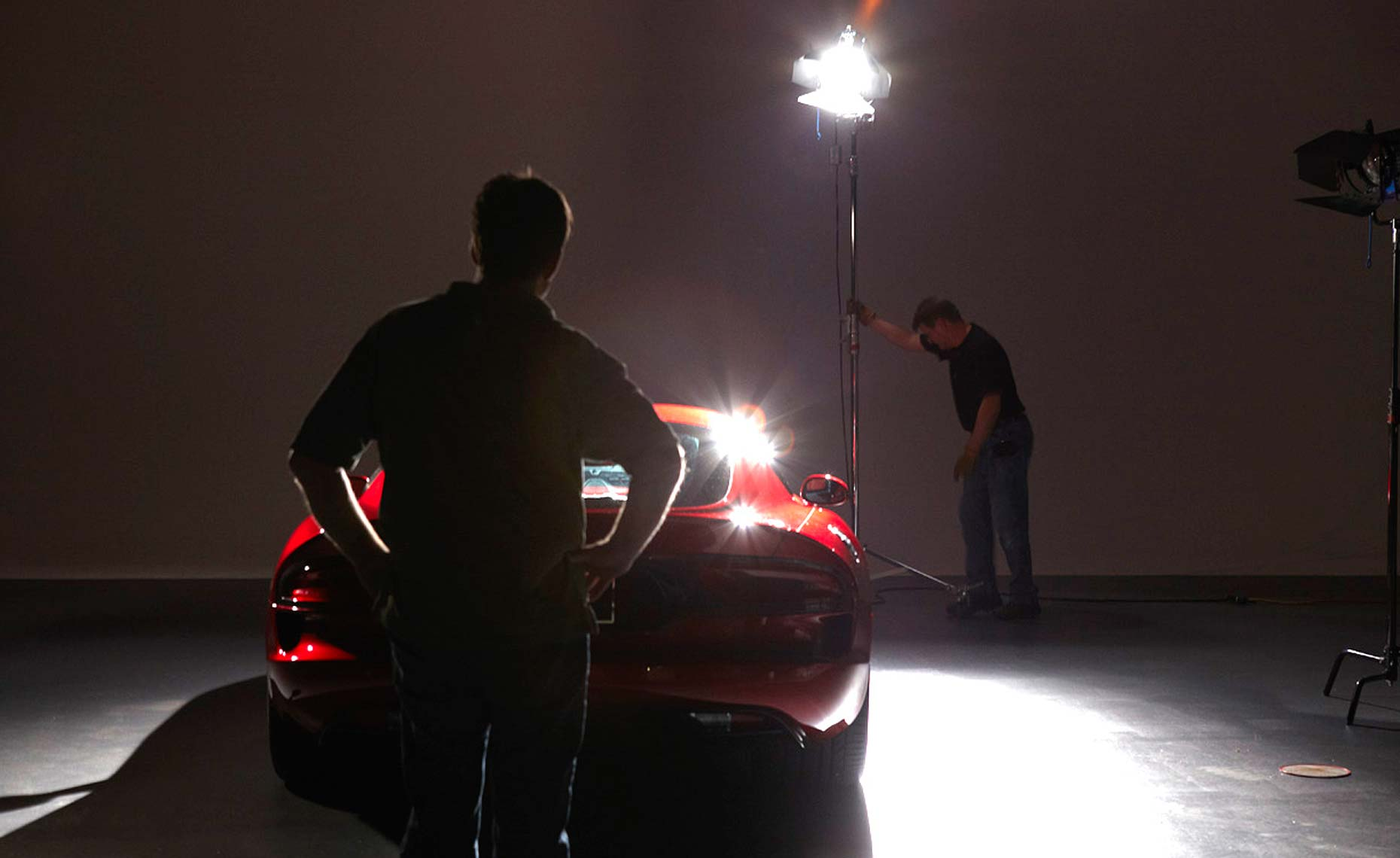 2013 viper-srt-behind the scenes-studio-2.jpg