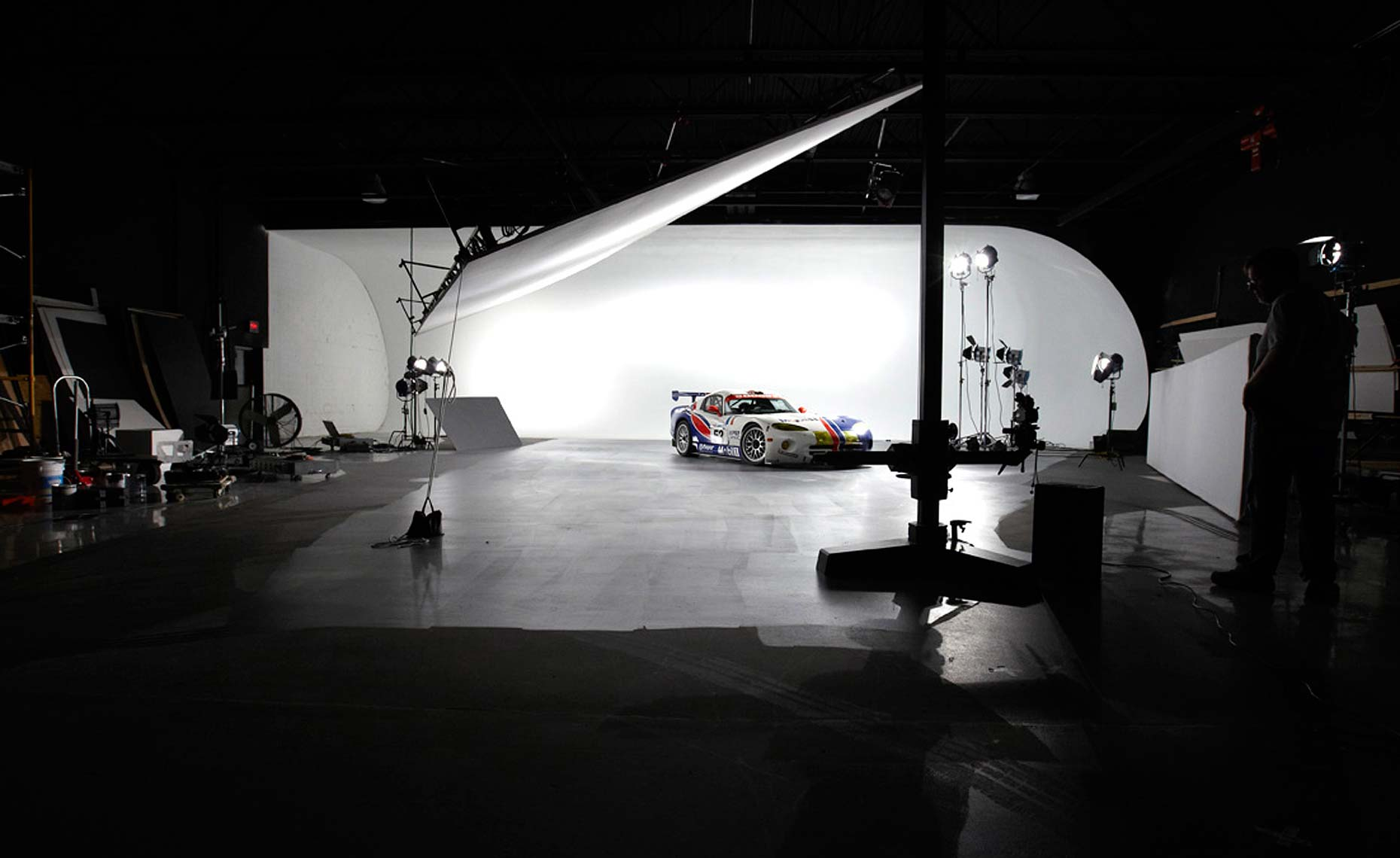 2013 viper-srt-behind the scenes-studio-7.jpg