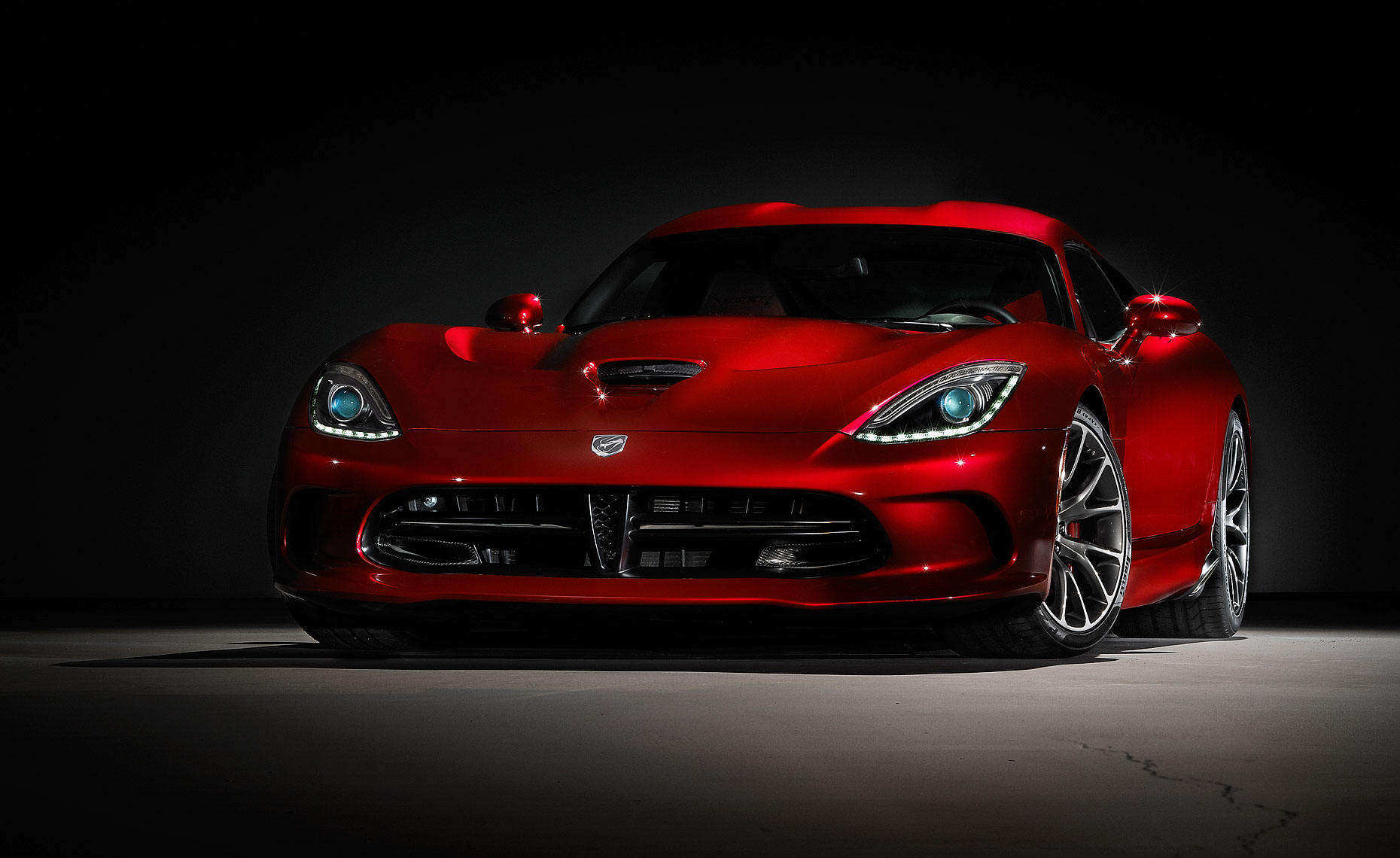 2013 viper srt-cover shot red car.jpg