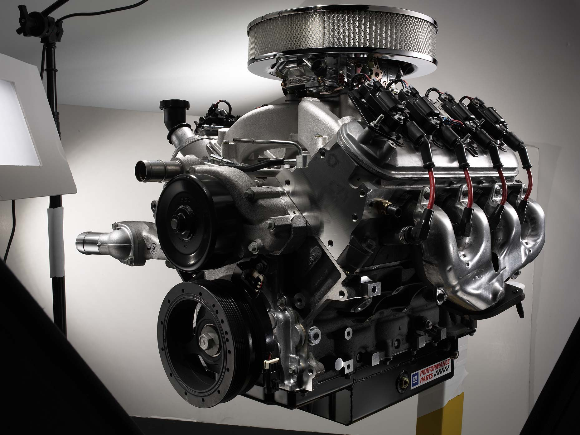 chevrolet crate engine_gm parts-behind the scenes.jpg