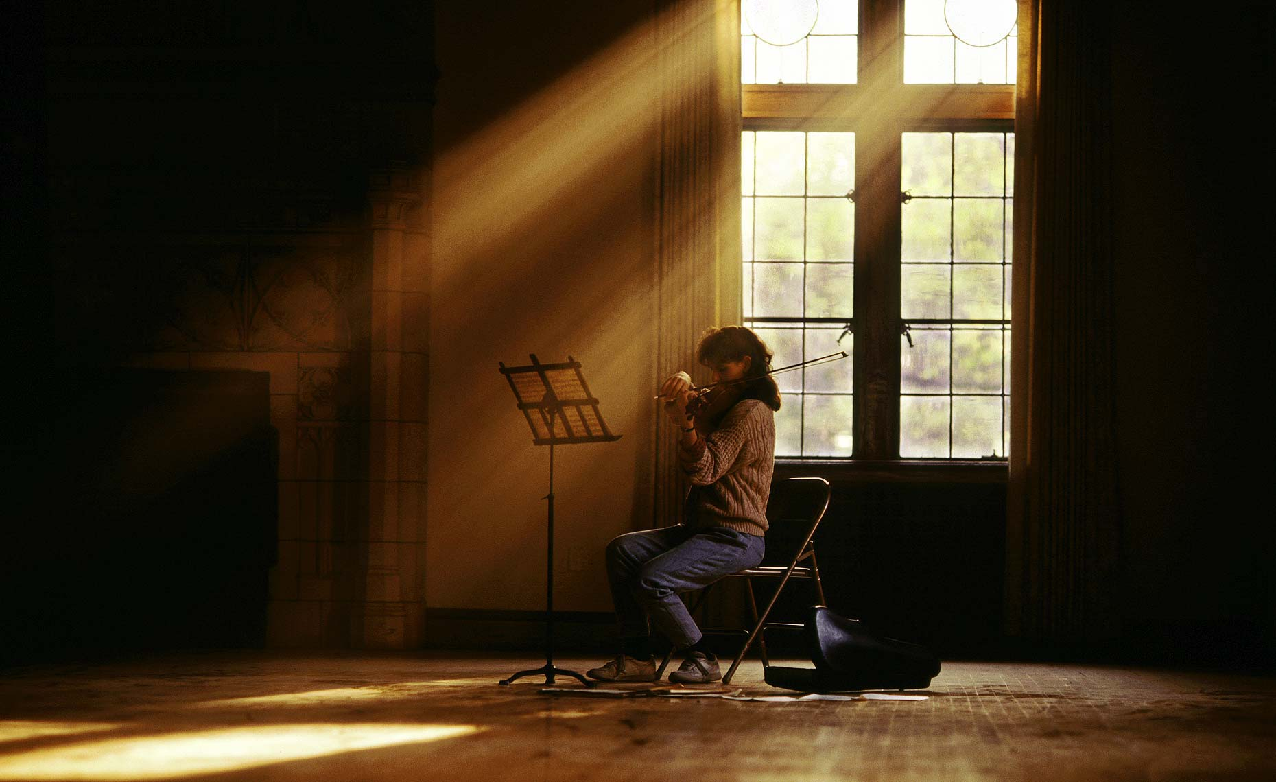 female violin player-grand room with sunlight.jpg